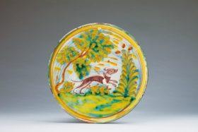色絵樹木犬図台皿